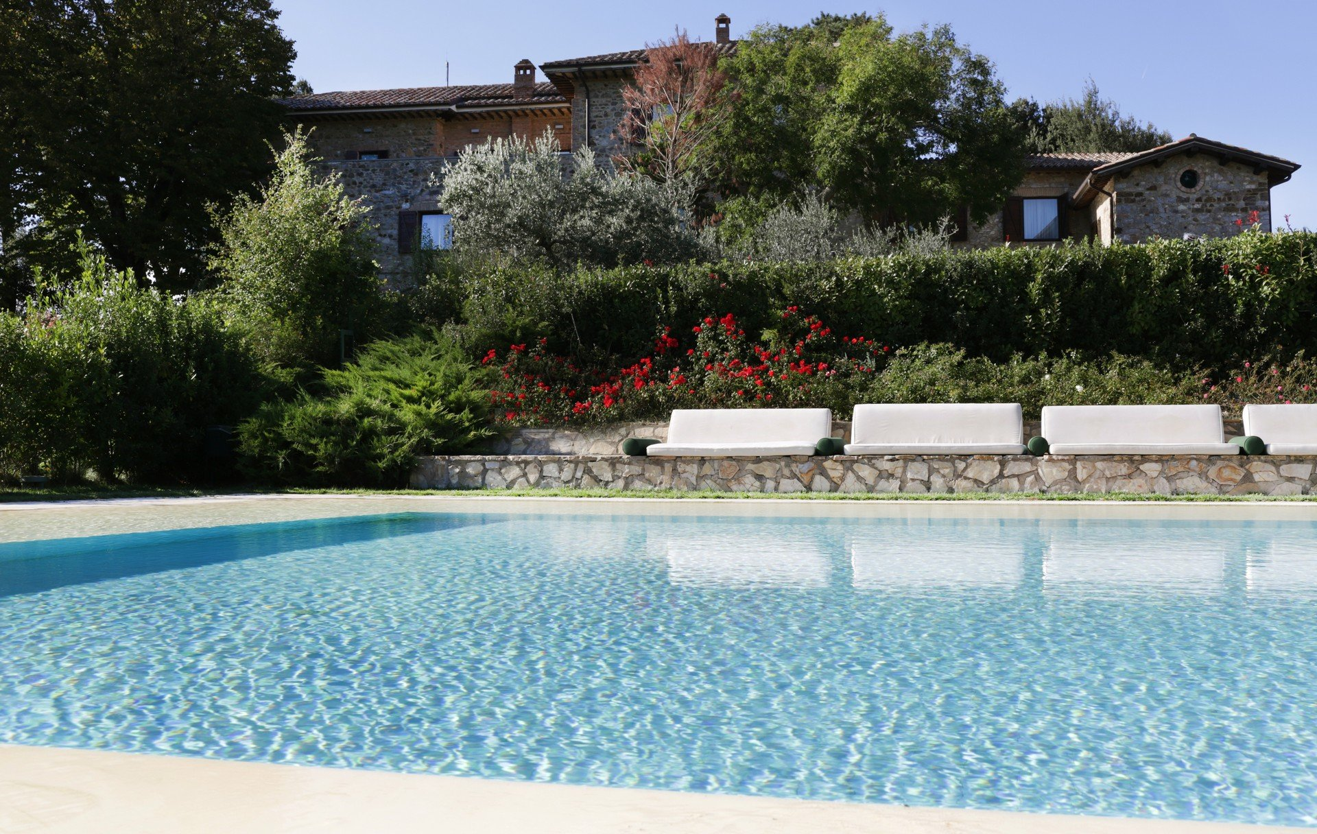 Agriturismo resort con piscina in umbria griffin 39 s resort - Agriturismo con piscina perugia ...