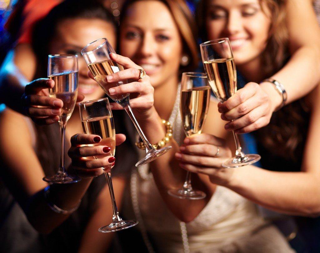 http://www.griffinsresort.com/wp-content/uploads/2016/04/champagne-party.jpg